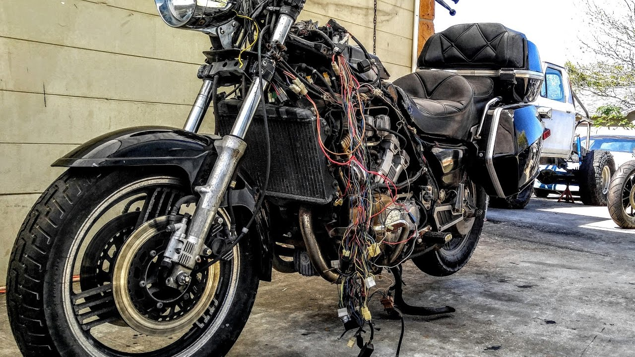 1983 yamaha venture xvz1200 stripped down with zoomies