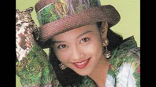88年から89年に発売された浅香唯の隠れた名曲のメドレー。 1.「瞳のラビ...