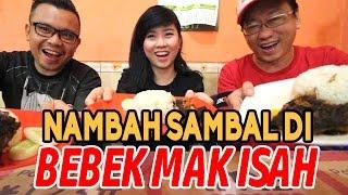 Bebek Pedas Madura di Bebek Mak Isah | Sehari 3000 Bungkus | Jakarta Kuliner | Ft. Rhea Aenea