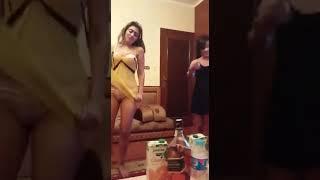 رقص بنات علي مهرجان مفيش صاحب بتصاحب