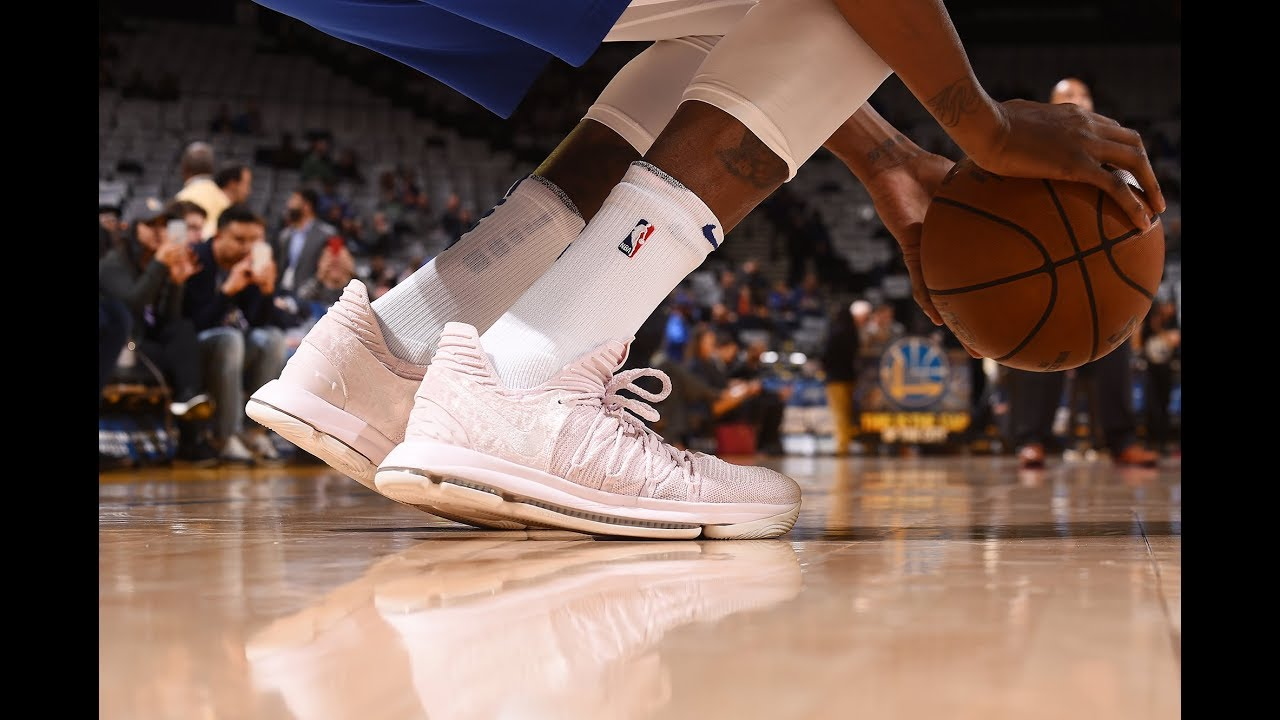 big sale 8f70b 6bc1a Sneaker Stories: Kevin Durant on the KDX Aunt Pearl