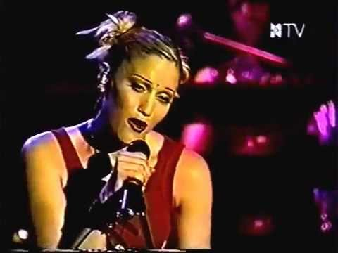 No Doubt - Too Late (Live in Korea 2000)