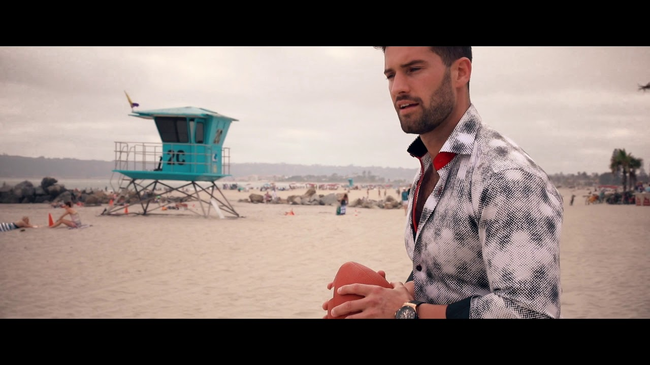 Fibonacci Giraffe Dress Shirt // Blue (M) video thumbnail