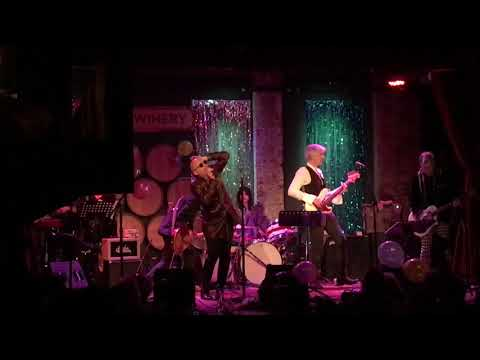 """Michael Cerveris singing """"All the Young Dudes"""" - City Winery NYC - 11/30/18"""