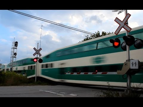 [HD] 3 clips of Barrie GO trains in  October 2017!