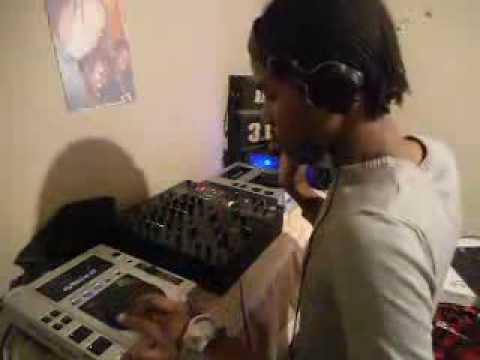 Musaria Feat  Saturna   Moment Atjazz Vocal Mix DJ 3 1 5 Live Perfomance