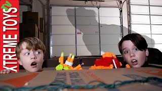 Creature Battle in the Giant Box Fort! Cole Escapes the Cardboard Box Maze!
