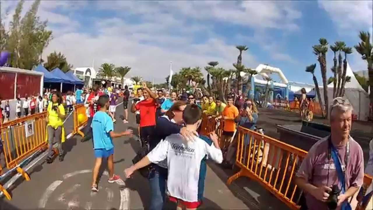 Carrera de niños para la Maratón Internacional de Lanzarote - YouTube