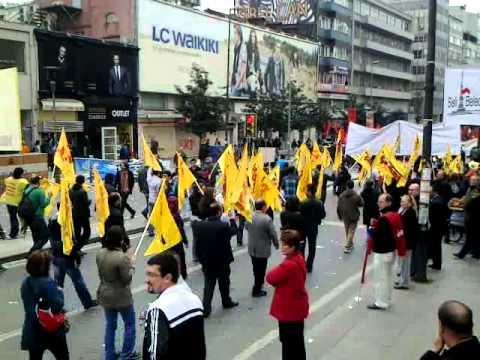 1 mayıs 2011 Yeni Dünya İçin Çağrı Korteji Taksim İstanbul.mp4