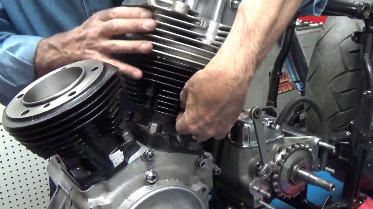 Install Harley Davidson Shovelhead Cylinder Heads  Part 1