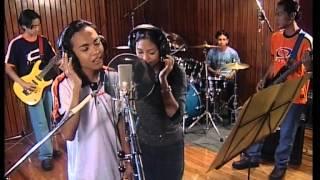 Download Siti Nordiana & Achik - Gurauan Berkasih (Official Music Video)