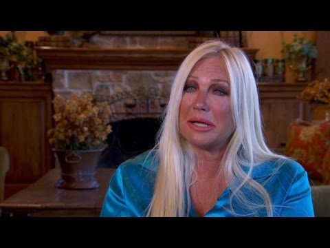 Linda Hogan Sobs While Reading Letter to Hulk: You Destroyed Our Marriage