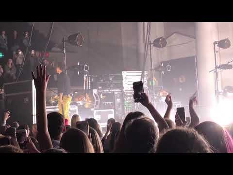Harry Styles - Kiwi live at Dar Constitution Hall Washington D.C 10/01/17
