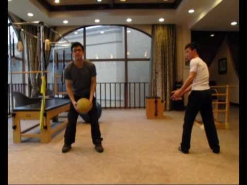Louis Lin:Medicine Ball Passing Training for Golf