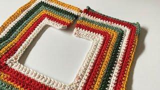 Left Hand: Christmas Tree Skirt in 3 Sizes | EASY | The Crochet Crowd