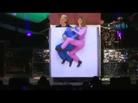 Robbie Williams - Candy - live in Riga 6.04.2015. Let Me Entertain You Tour.