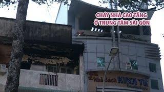 Cháy nhà 5 tầng, giao thông trung tâm Sài Gòn nhốn nháo giờ cao điểm