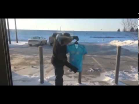 Watch T Shirt FREEZING In Less Than A Minute - Polar Vortex In USA - Skin Freezes In 5 Minutes