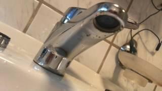 strahlregler am wasserhahn ersetzen perlator wechseln an mischbatterie wasser sparen anleitung. Black Bedroom Furniture Sets. Home Design Ideas