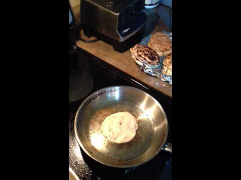 How to cook a pancake in fry pan video - YouTube