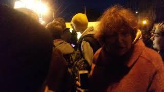 Перепалка двух бабулек на митинге Навального в Архангельске 01.10.17