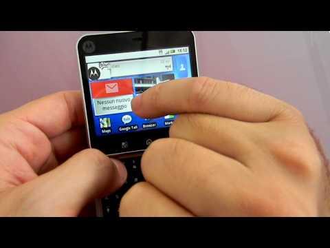 Motorola Flipout Motoblur CellulareMagazine.it Eng