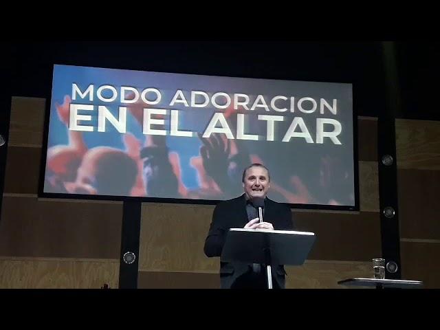 Modo adoración en el altar - Pastor Diego Touzet