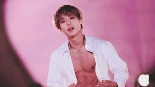 Gambar cover 박지훈 Park Jihoon Show his ABS for the first time in WANNA ONE (워너원) Therefore Concert
