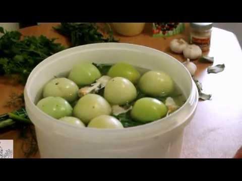 Как засолить зеленые помидоры на зиму в ведре