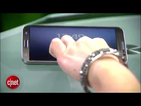 Curved Samsung Galaxy Round surprisingly comfy