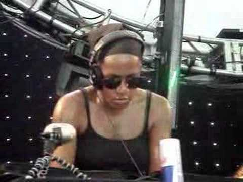 Dj Heather @ Coachella 04-28-07