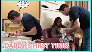 DADDY'S FIRST TIME CHANGING DIAPER AND CLOTHES! HINDI MAPAKALI SI MUMMY! ❤️ | rhazevlogs