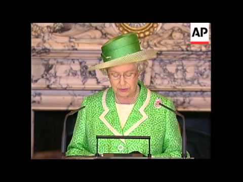 Queen addresses French Senate