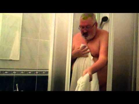 An American Bear In An Italian Shower