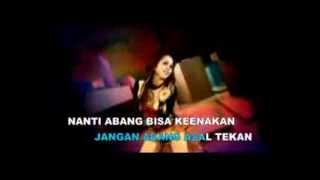 Adelia Citra & Minie Monalisa - Janda Ulat Bulu