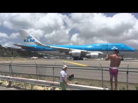 Most dangerous plane takeoff Caribbean Beach