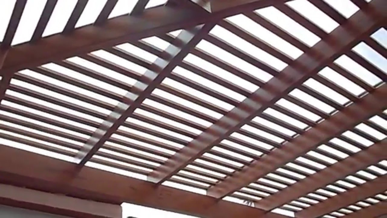 Techos de madera sol y sombra con policarbonato pergolas - Techo de madera ...