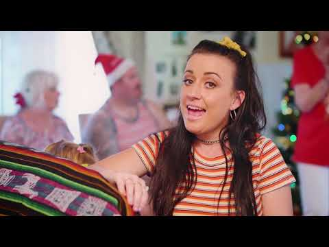 Kirsty Lee Akers - I Never Want Christmas To End  (Official Music Video)
