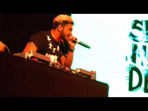 Raftaar new song live concert in navi mumbai.|| swag mera desi. all black song