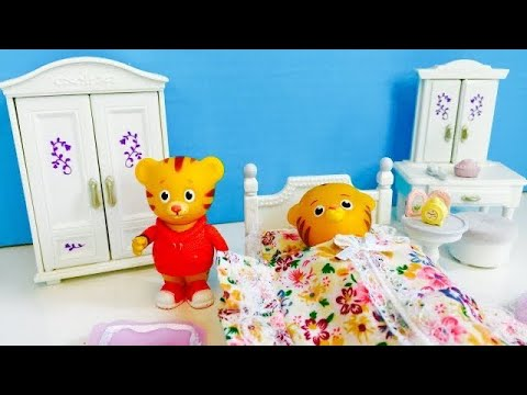 DANIEL TIGER'S Baby Sister First Day Of PRESCHOOL And Learning With TOYS!