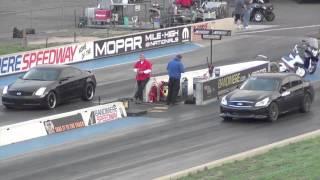 Infinity G35 Coupe vs Sedan Drag Race