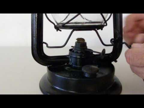 vintage-oil-lantern-glass-globe-removal