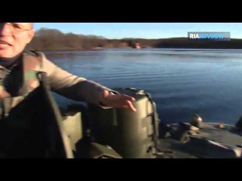 El vehículo ruso de combate BMD 4M navega, trepa y se encoge  Vídeo  RIA Novosti