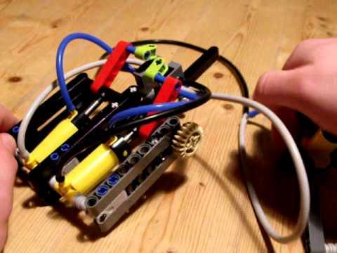 Lego pneumatic motor with 2 cylinder