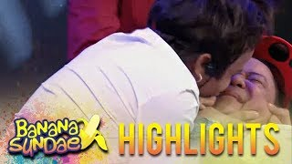 Banana Sundae: Signs that someone likes you