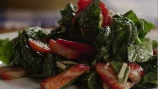 How To Make Delicious Strawberry Spinach Salad