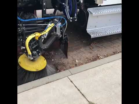 VT652 vacuum street sweeper leaf sweeping