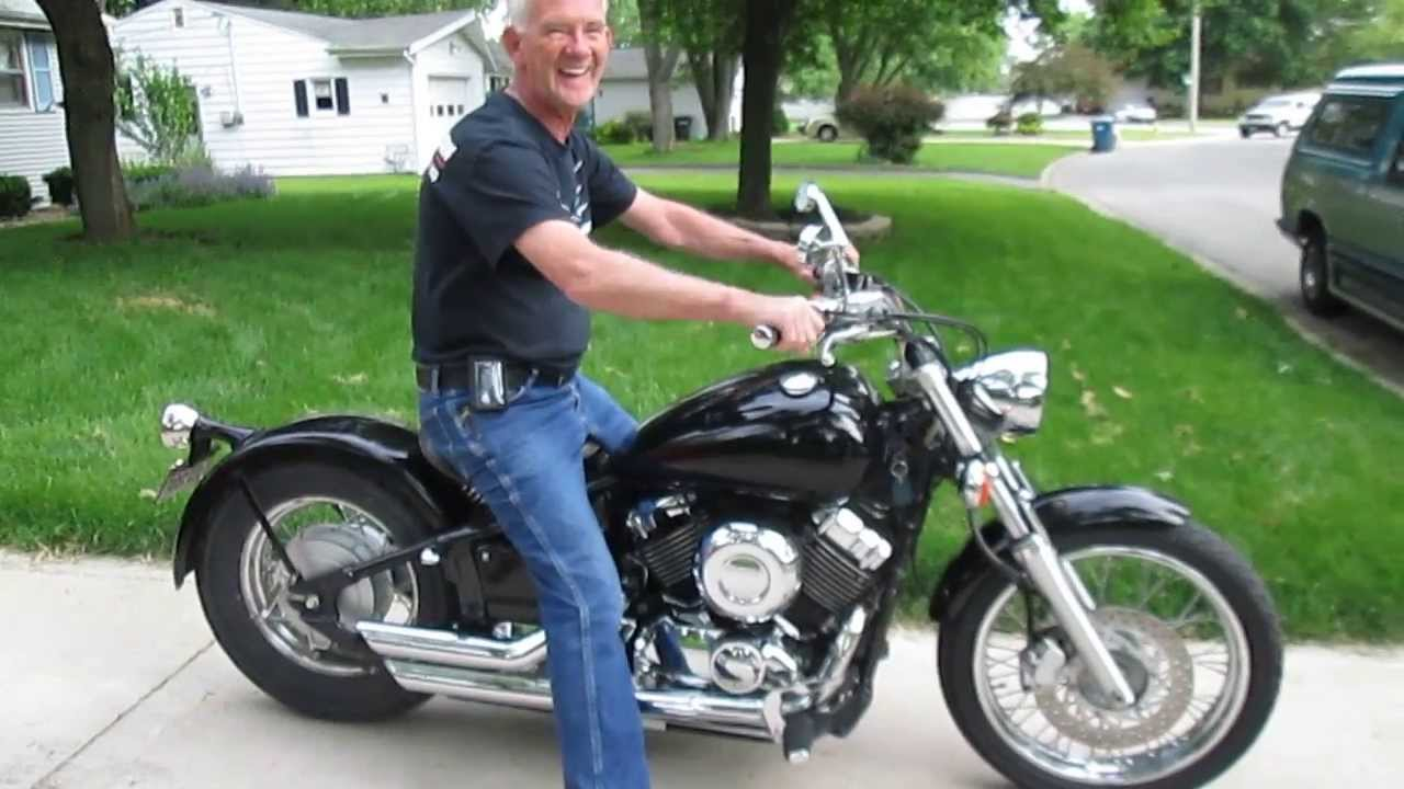 Yamaha VSTAR 650 Vance and Hines Short Shot Exhaust Sound Start and ...