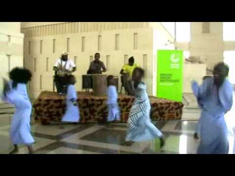 Senegalese girls dancing at Grand National Theatere in Dakar