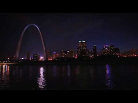 Gateway Arch Riverboats Dinner Cruise (:30 B-Roll with Music)